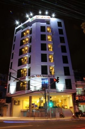 Big Home Hotel (Little Home 2 cũ)