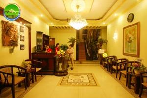 Khách sạn Tường Vi